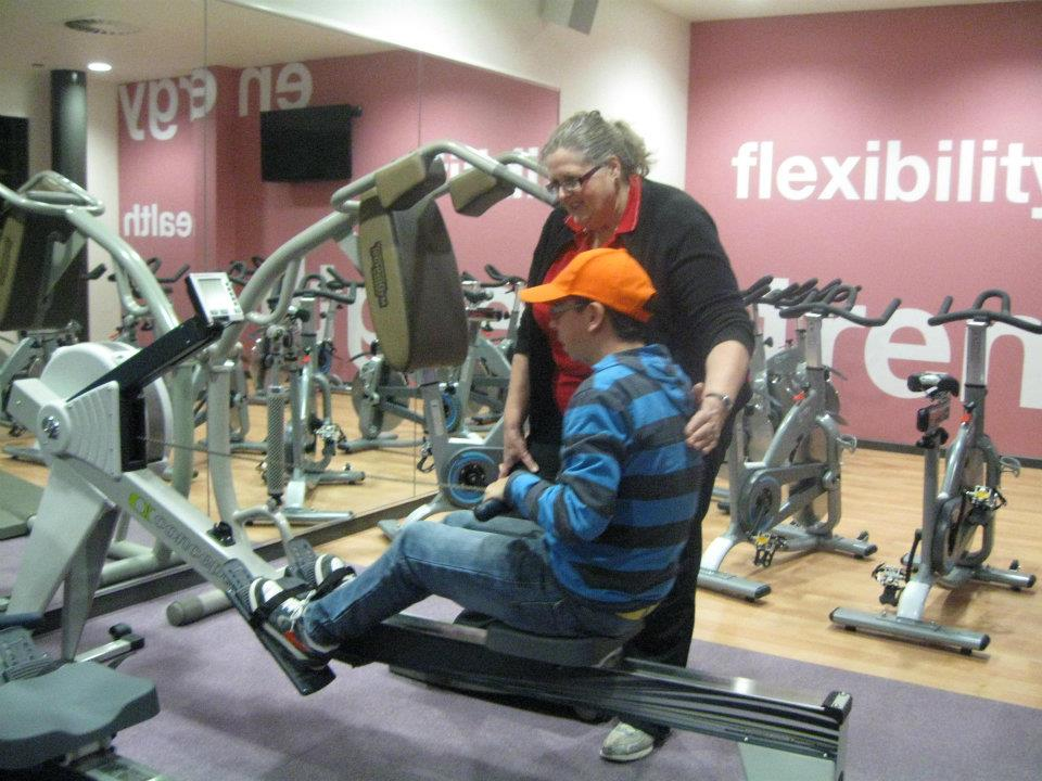 at the gym essay Working out at the gym is everyone's business from education to big companies  in the us, schools have introduced physical activities such as.